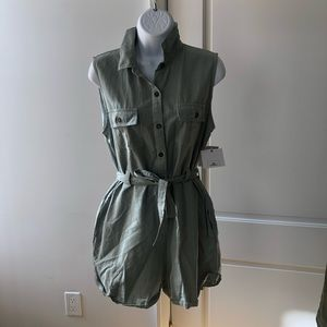 O'Neill Green Romper -tags still on